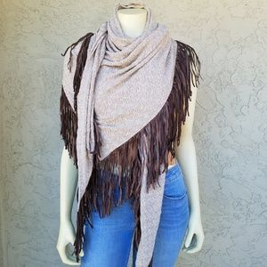 Tylie Fringed Textured Oatmeal Knit Shawl NWT